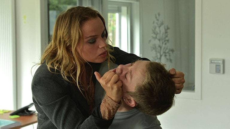 Malony (Rod Paradot) och hans unga mamma (Sara Forestier) i Emmanuelle Bercots film Malony.