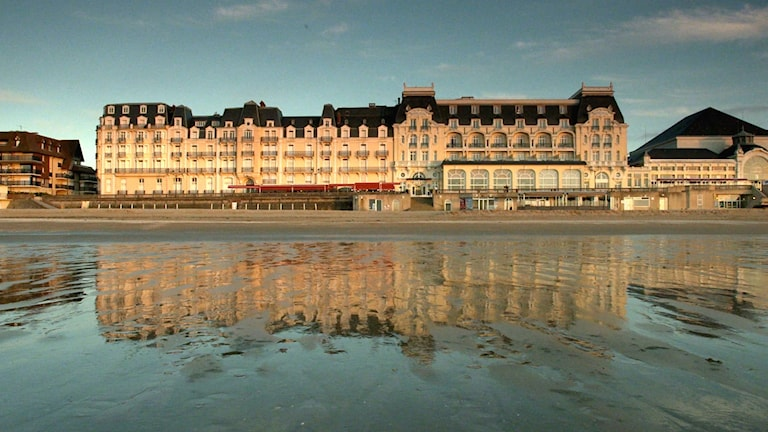 Marcel Prousts favorithotell Le Grand Hotel Cabourg i Normandie i Kristian Petris film Hotellet.