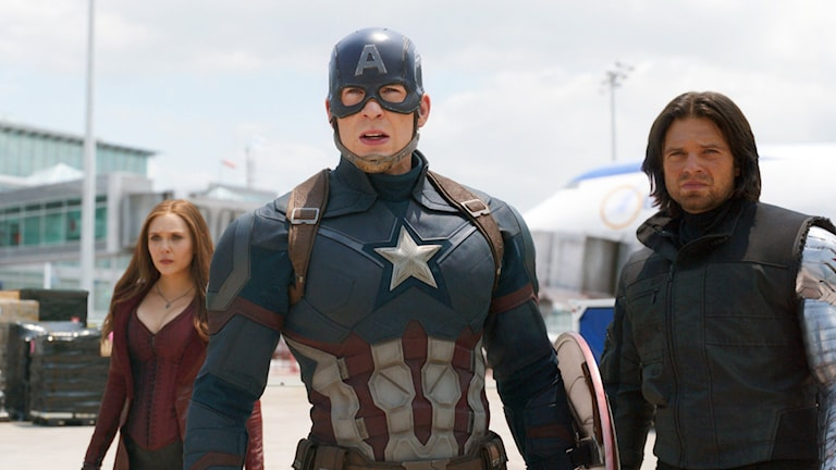 Elizabeth Olsen, Chris Evans och Sebastian Stan i Captain America: Civil War. Foto: Disney.