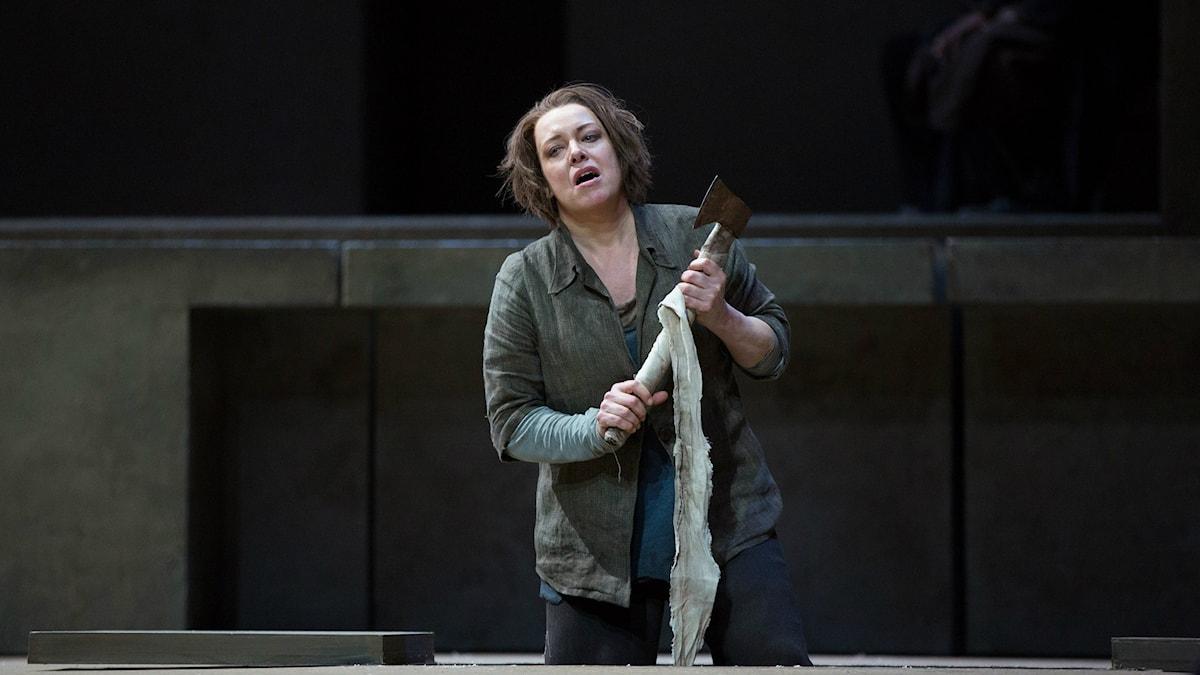Stjärnsopranen Nina Stemme i rollen som Elektra på Metropolitan i New York. Foto: Marty Sohl/Metropolitan Opera