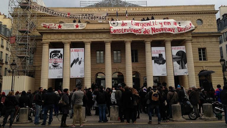 Théâtre de l'Odéon ockuperat av protesterande kulturarbetare. Foto: Fanny Härgestam
