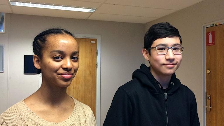 Aida Tena och Omid Ahmadi går i åttan på Sätraskolan i Stockholm och får i dagsläget inte gå på 15-årsfilmer.