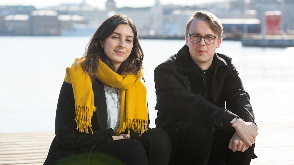 Producent Nasim Rahsepar och programledare Niklas Jonsson.