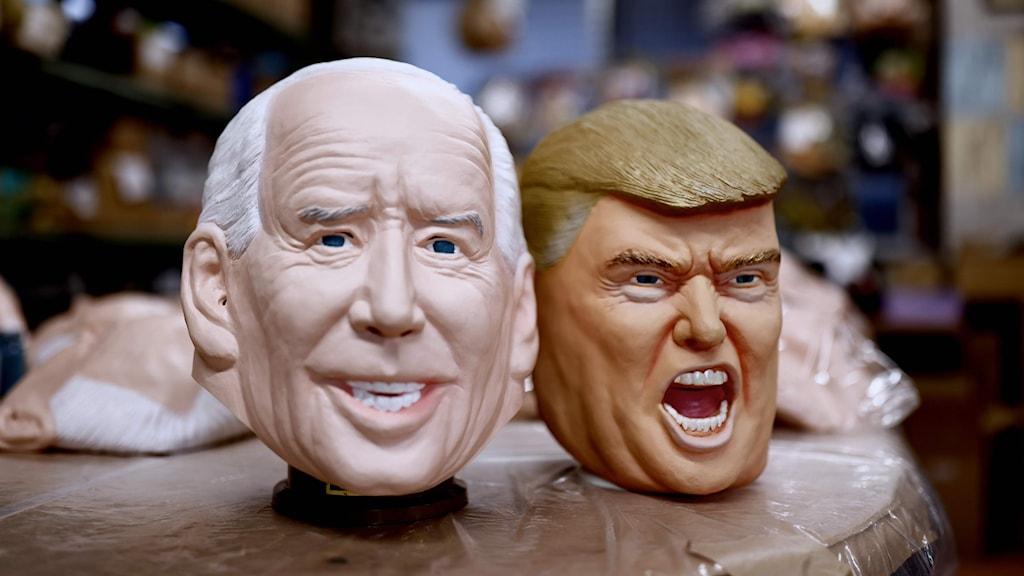 Masker föreställande Joe Biden och Donald Trump.