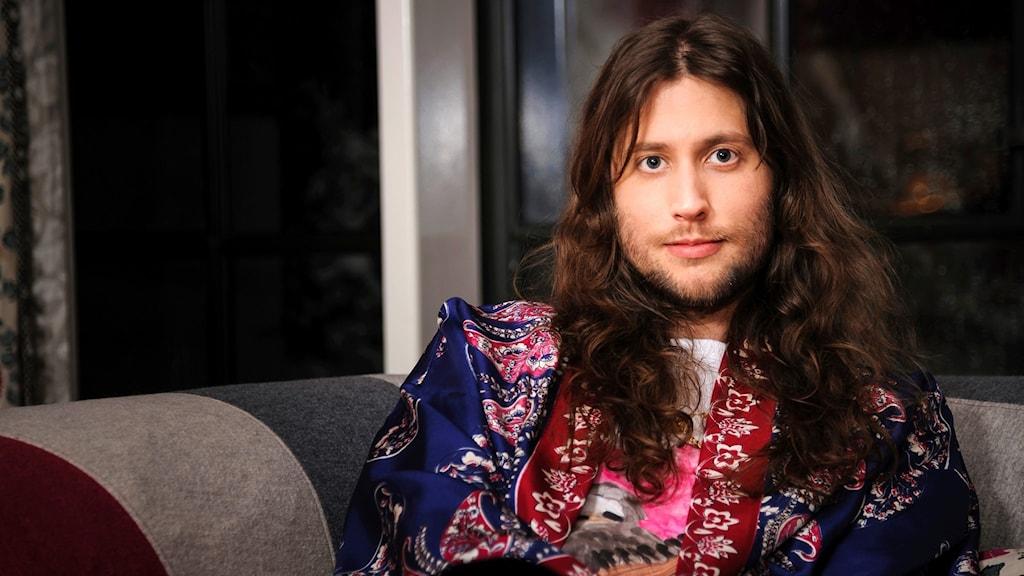 Svensken Ludwig Göransson kom till nattens Grammygala med chans på fyra priser. Och minst två av dem får han gå hem med, bland annat den för årets låt.
