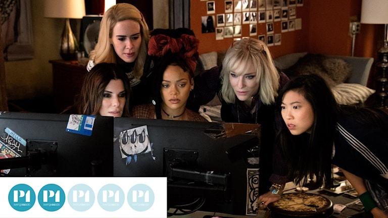 """Fem av de åtta som utför juvelstölden i """"Ocean's 8""""."""