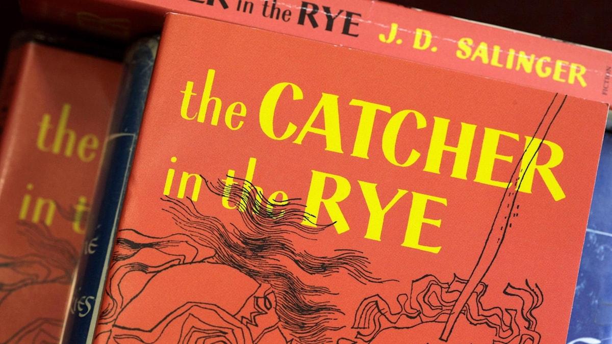 En tidig utgåva av den inbundna boken Catcher in the rye.