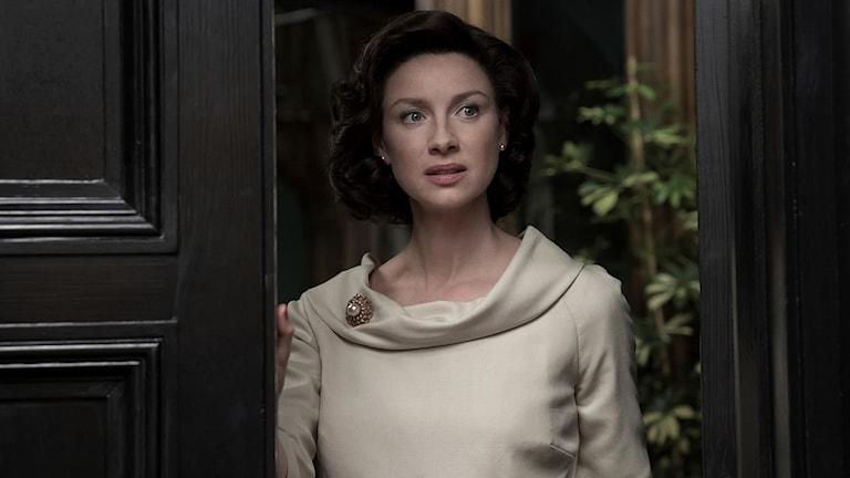 Caitriona Balfe spelar Claire Randall, huvudpersonen i den brittisk-amerikanska serien Outlander.
