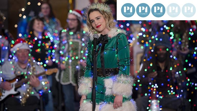 Kate (Emilia Clarke) sjunger Last Christmas.