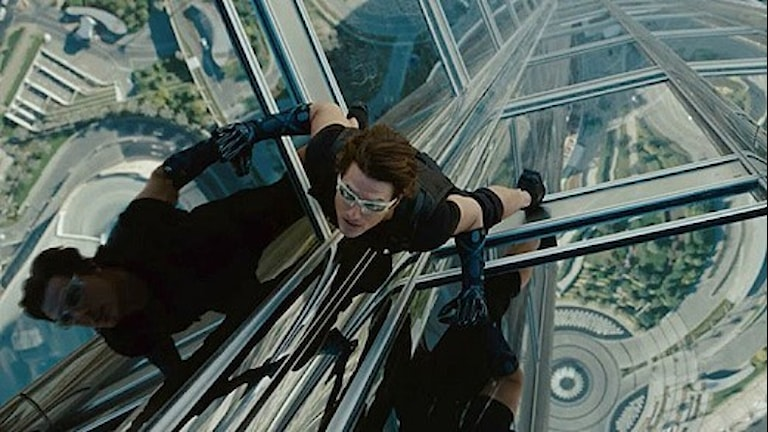 "Tom Cruise fasadklättrar i ""Mission: Impossible - Ghost Protocol""."