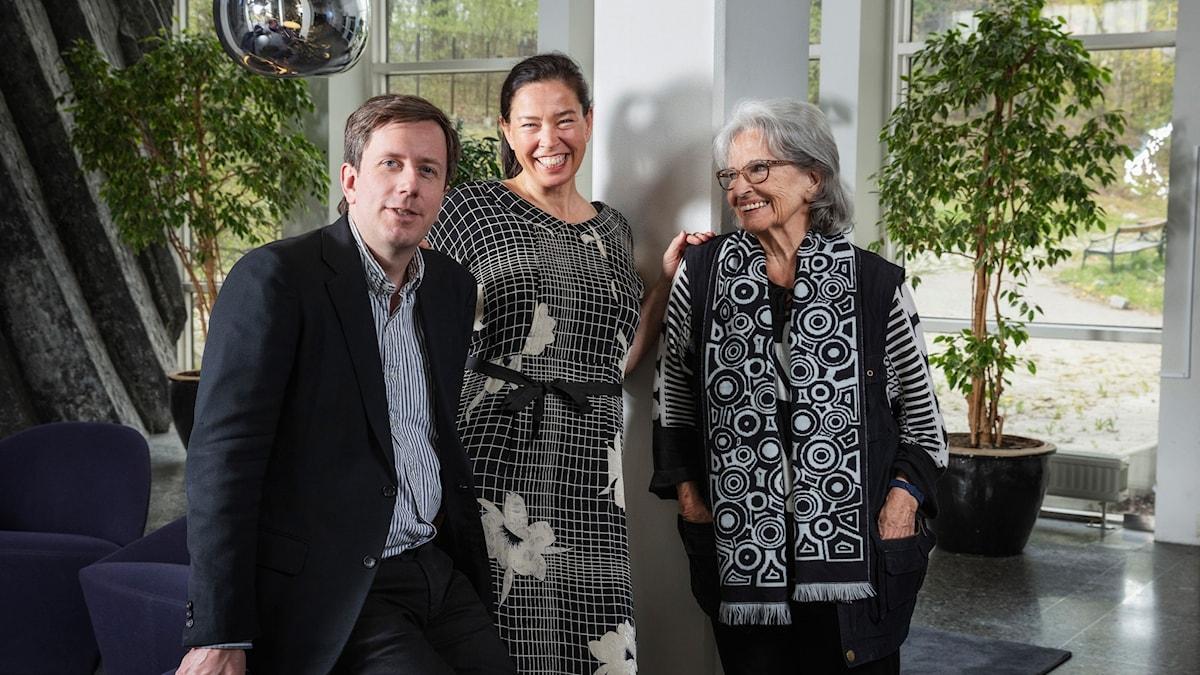Eric Schüldt, Marie Lundström och Gunnel Lindblom i Bokcirkeln.