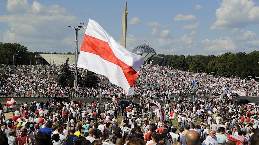 Tiotusentals människor i Belarus