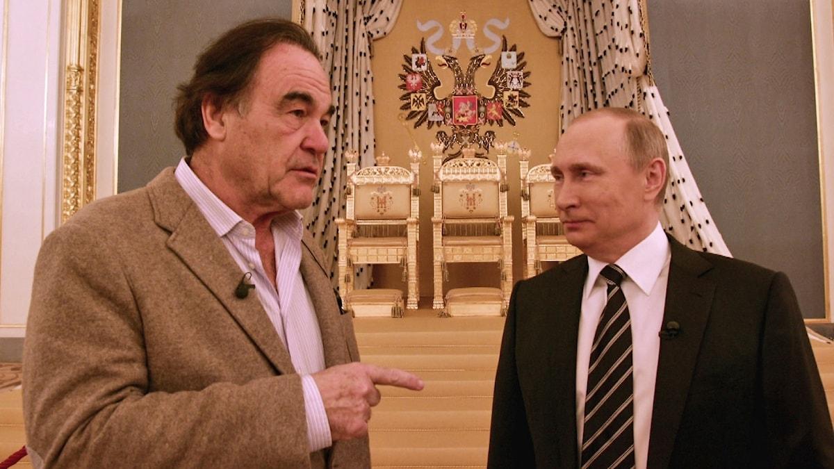 """Oliver Stone och Vladimir Putin ur dokumentärserien """"Putin enligt Oliver Stone"""" Foto: SVT"""