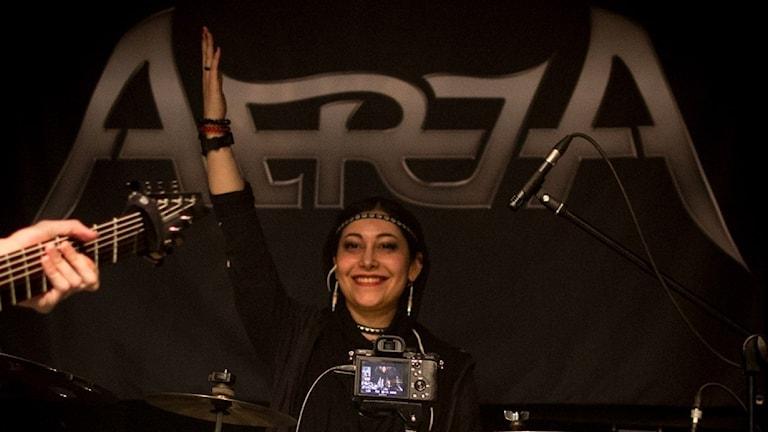 Shirin, trummis i iranska hårdrocksbandet Atria