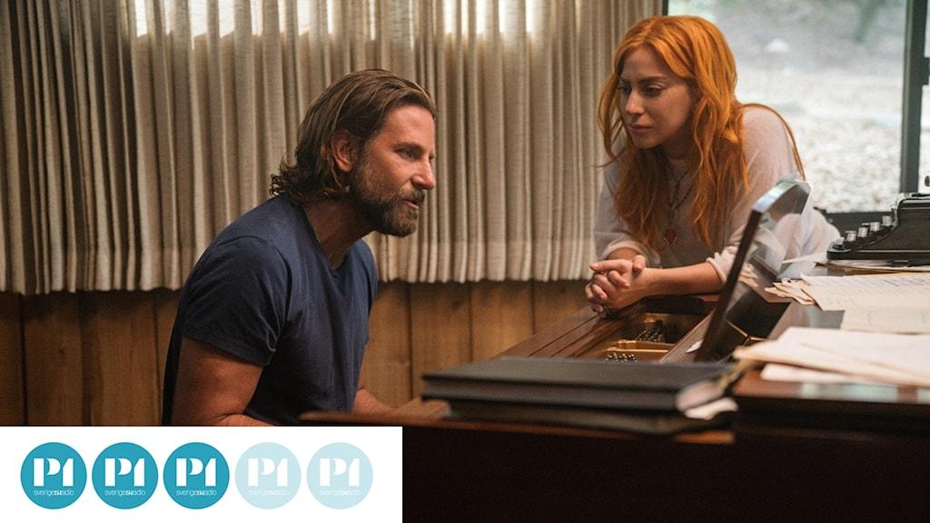 """Bradley Cooper och Lady Gaga spelar huvudrollerna i nytolkningen av """"A star is born."""""""