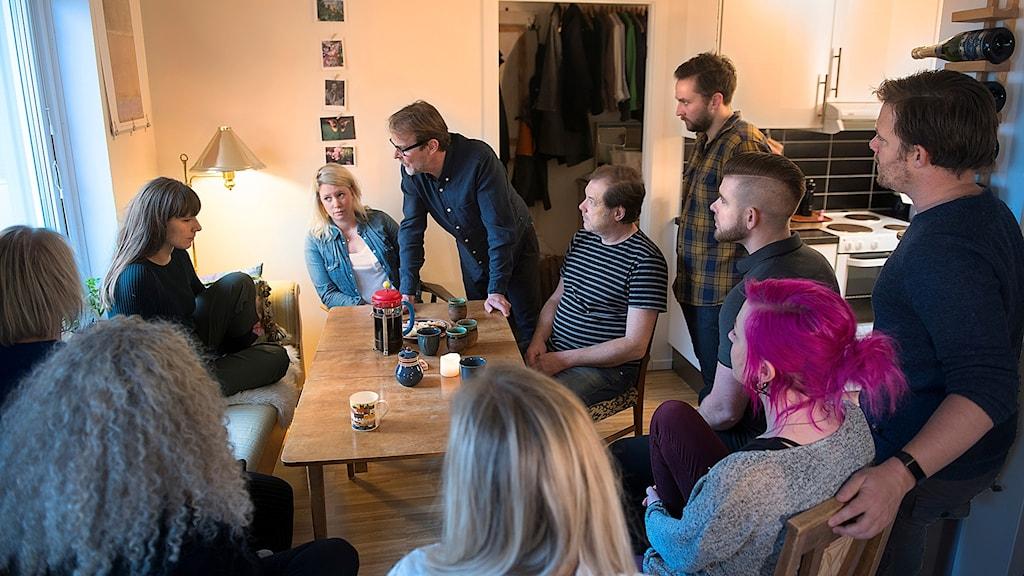 Byteatern spelar Ett dockhem hemma hos folk.