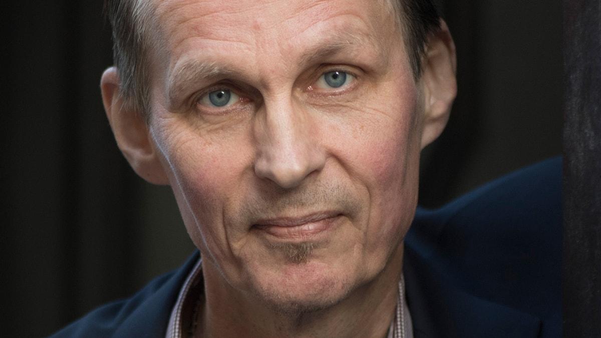 Författaren Mikael Niemi.