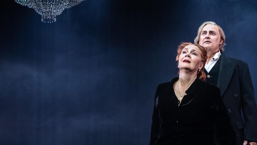"""""""Im Treibhaus"""" med musik av operadebuterande Staffan Storm och librettodebut av Ebba Witt-Brattström i Vattnäs Lada i Mora - med världsalten Anna Larsson och tenoren Göran Eliasson i huvudrollerna."""