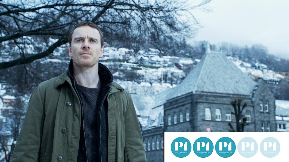 Michael Fassbender spelar Harry Hole som jagar snömannen.