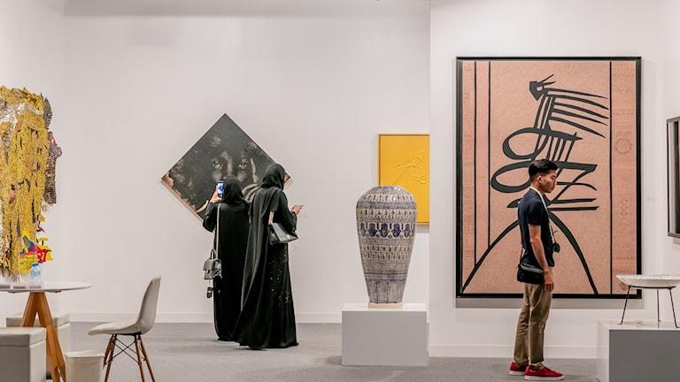 Konstmässan i Abu Dhabi.