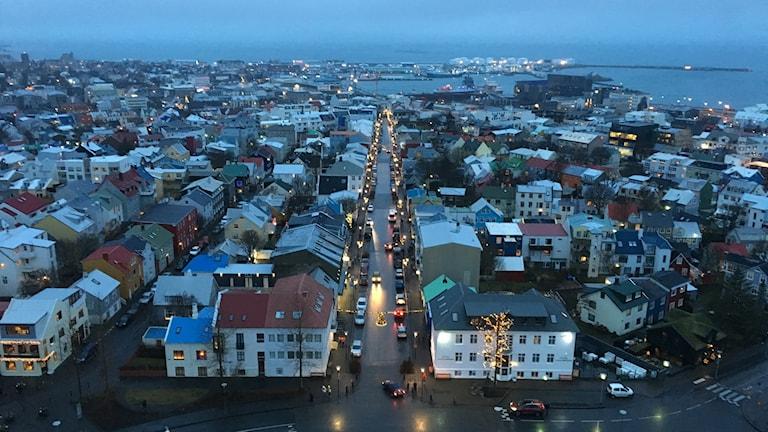 Reykjavik i förmiddagsmörker. Foto: Karsten Thurfjell/SR