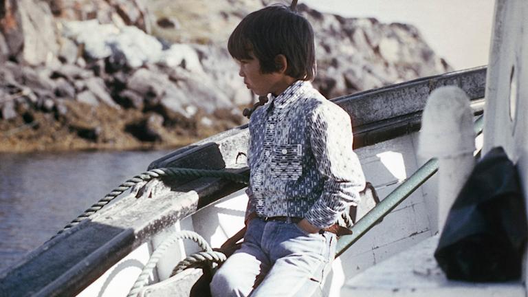 Många av bilderna i Inuuteq Storchs utställning är tagna av Grönländska amatörfotografer.