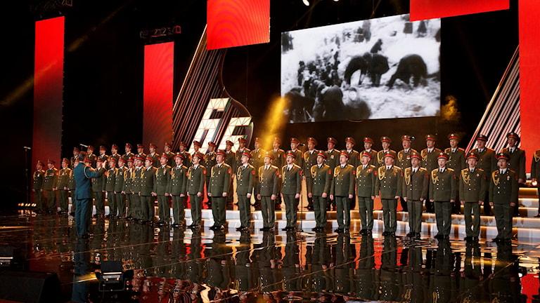 Aleksandrov-kören framträder i Moskva i våras.