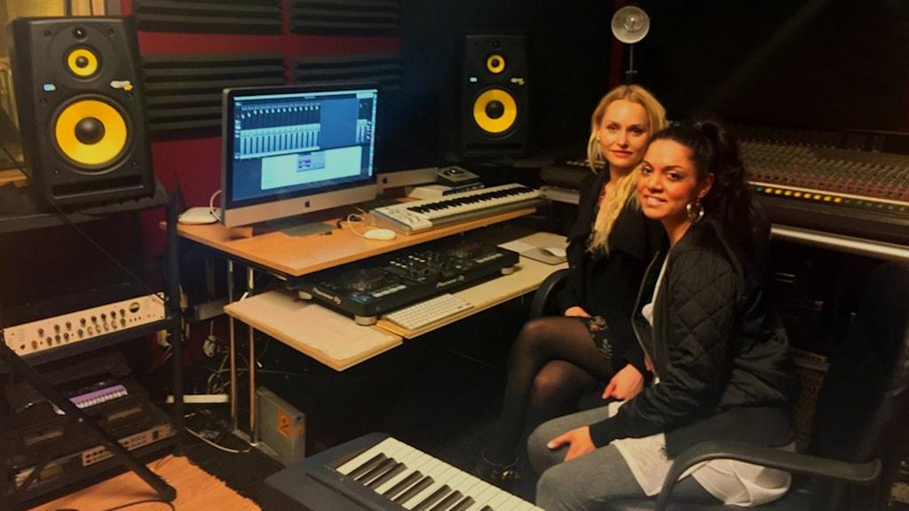 Musikproducenterna Melisha Linnell och Kim-Tina Malmcrona vill sätta fokus på jämställdhet i branschen.