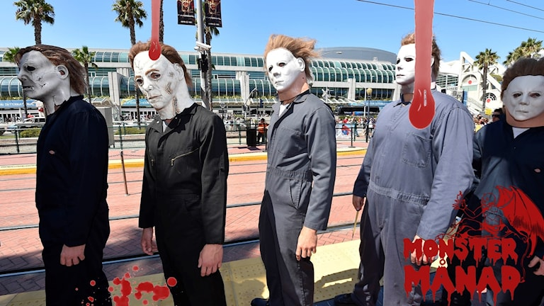 """Flera personer utklädda till Mike Myers från """"Halloween""""."""