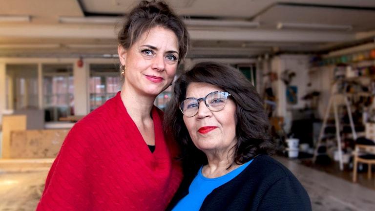 """Jila Mossaed och Rebecca Örtman har tillsammans skrivit manus till """"Upprorets poet""""."""