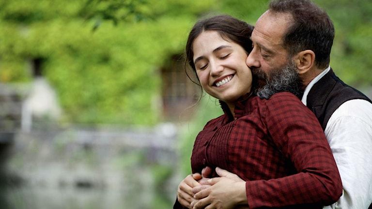 """Izia Higelan spelar Camille Claudel och Vincent Lindon hennes älskare: Auguste Rodin i filmen """"RODIN""""."""