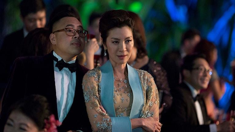 "Nico Santos och Michelle Yeoh i ""Crazy rich asians""."