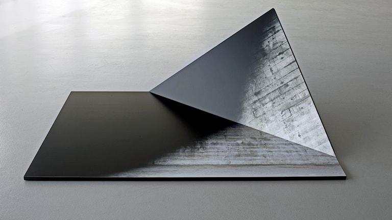 Linda Hofvander: Vik 1. Fotografiskt objekt (2013)