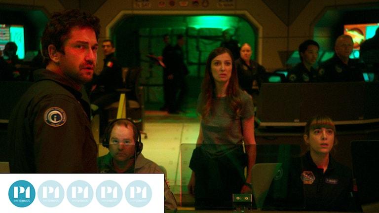 Nu börjar det hetta till för Jake Lawson (Gerard Butler) i Geostorm. Foto: Fox Movies.