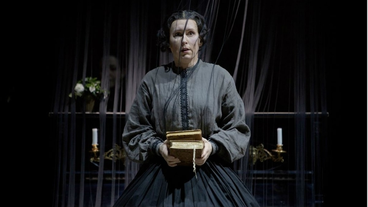 Annica Edstam spelar Fosca, en kvinna som älskar litteratur och som blir förälskad i Giorgio.