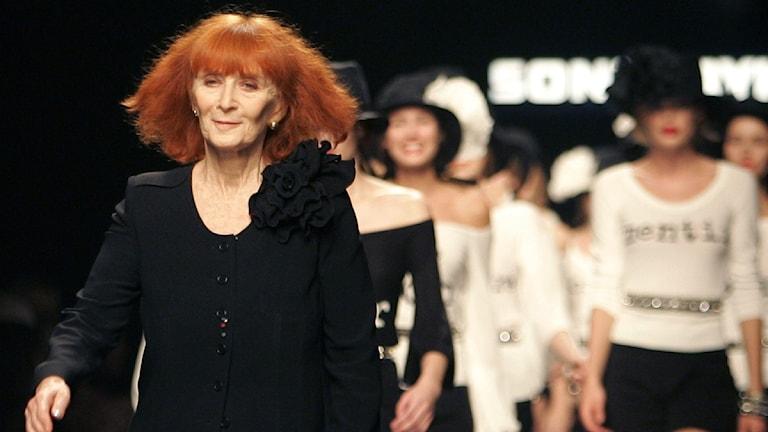 Modedesignern Sonia Rykiel på catwalken 2005.