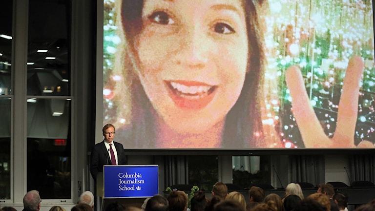 Elever och lärare samlade för minnesstund för Kim Wall på Columbia Journalism School där hon tidigare var elev.