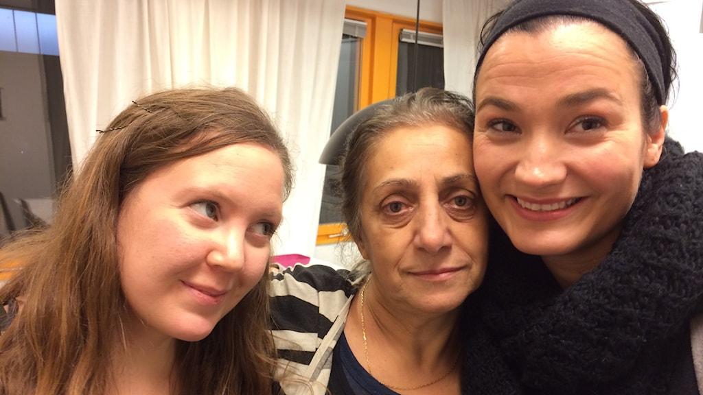 Sofia Hallgren, Aida Mehrani och Andrea Rodriguez var glada över beskedet att kulturprojektet Ålidhem Äger tack vare Kulturrådets bidrag nu kommer att bli verklighet.