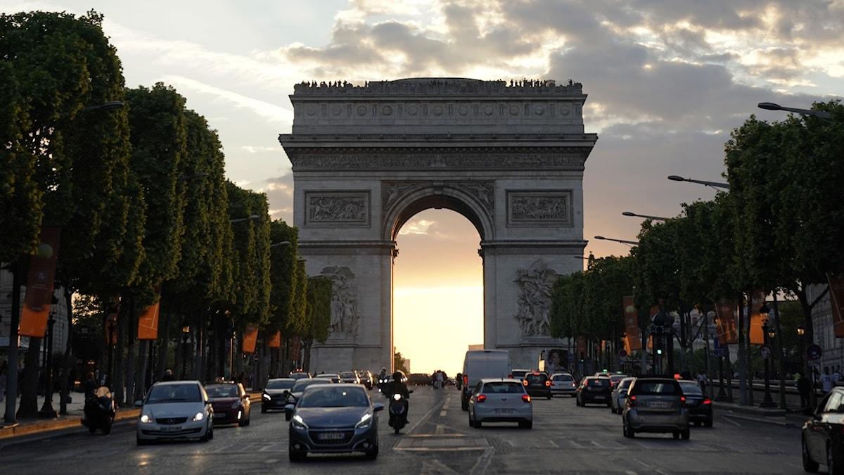 Gatuvy Triumfbågen Paris