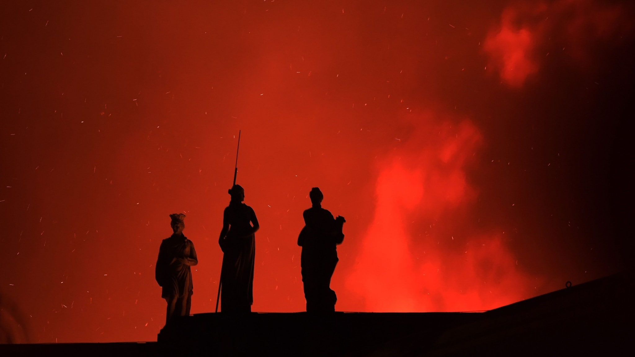Brand förstör Nationalmuseet i Rio de Janeiro, nederländska muséer avslutar sponsoravtal med Shell och gravida skådespelare får inte jobb.