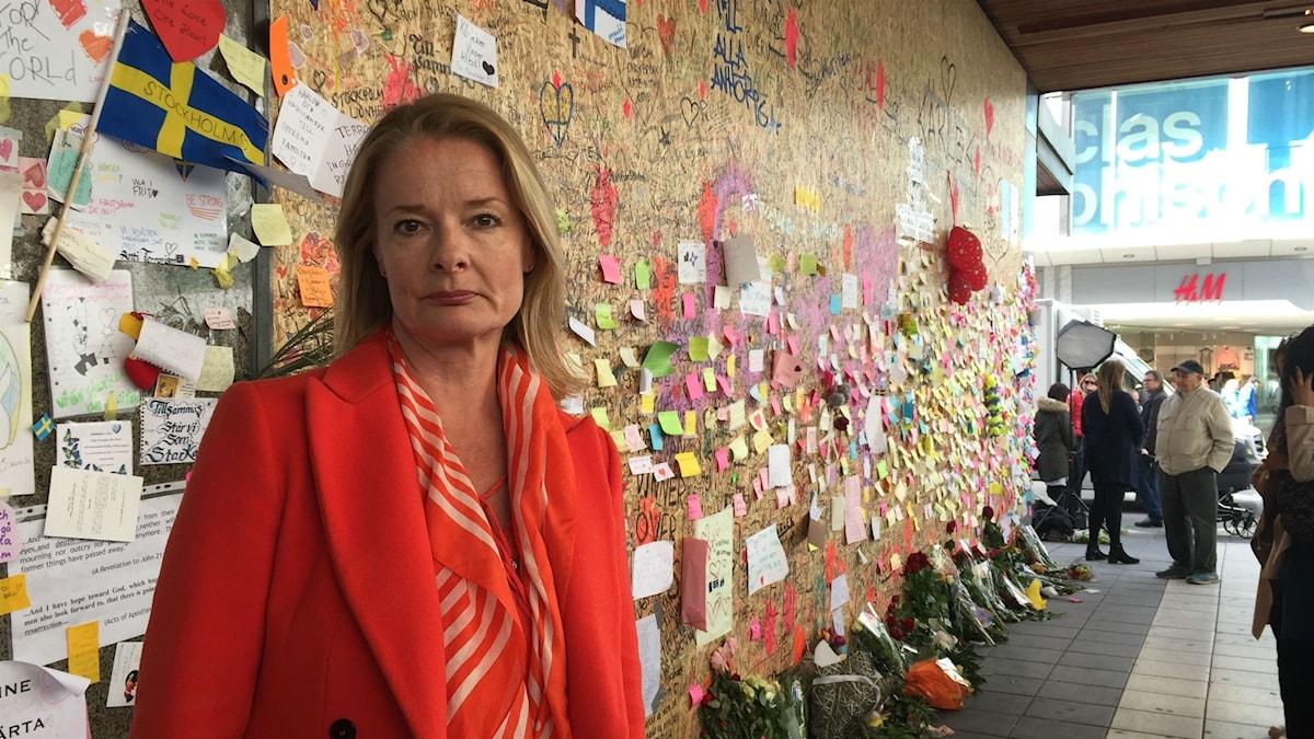 Liberalen Lotta Edholm tror att en minnesplats efter terrorattentat behövs.