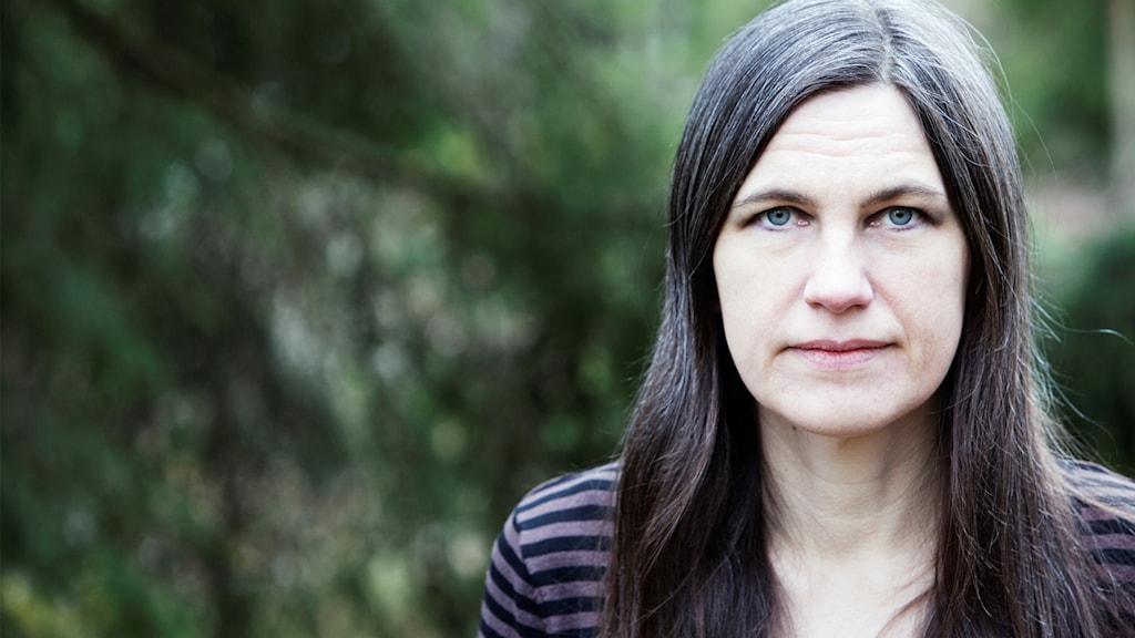 """Serietecknaren Åsa Grennvall är aktuell med nya boken """"Jag håller tiden""""."""