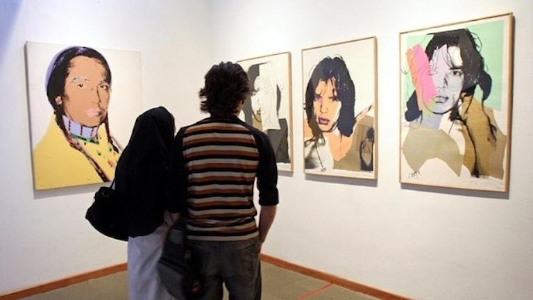 Andy Warhol-målningar utställda på Tehran Museum of Contemporay Art (TMoCA). Foto: HASAN