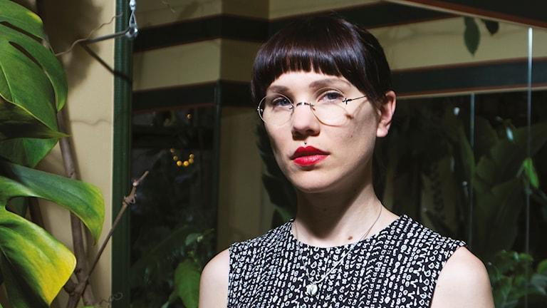 """Författaren Lyra Koli är aktuell med romanen """"allting växer""""."""