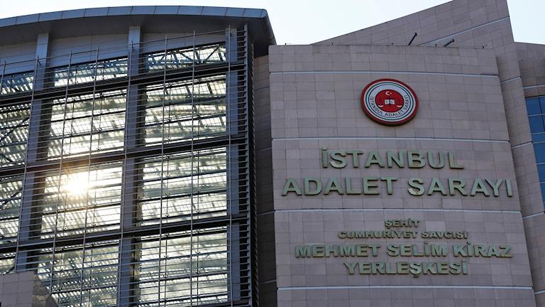 Domstolen i Istanbul där rättegången mot Sahin Alpay och hans kollegor hölls.