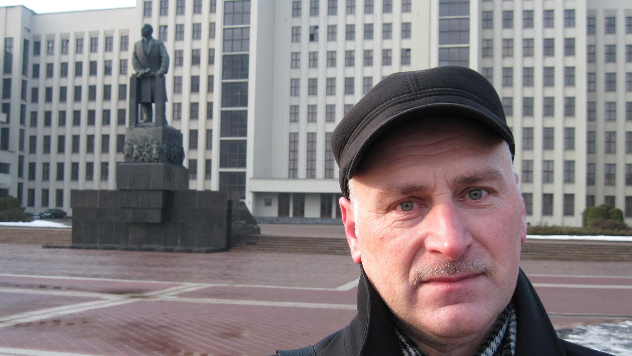 Barys Pjatrovitj i det oberoende vitryska författarförbundet. Foto: Fredrik Wadström/Sveriges Radio.
