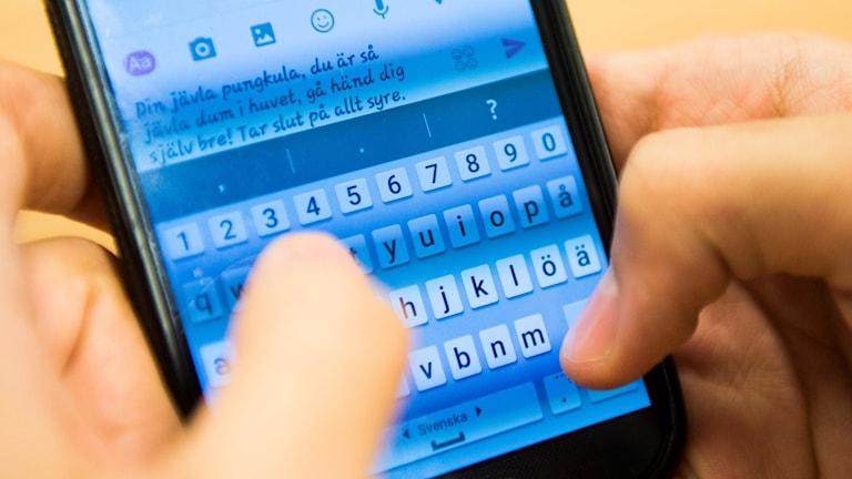 Mobiltelefon med näthat