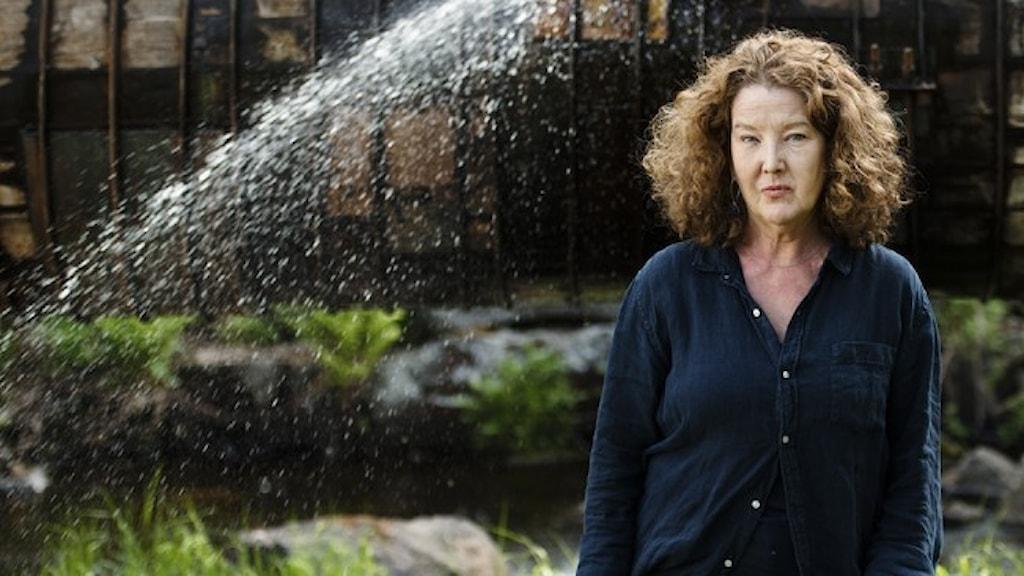Porträtt på författaren Anna-Karin Palm.