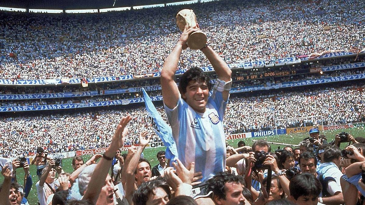 Maradona vinner VM med Argentina 1986.