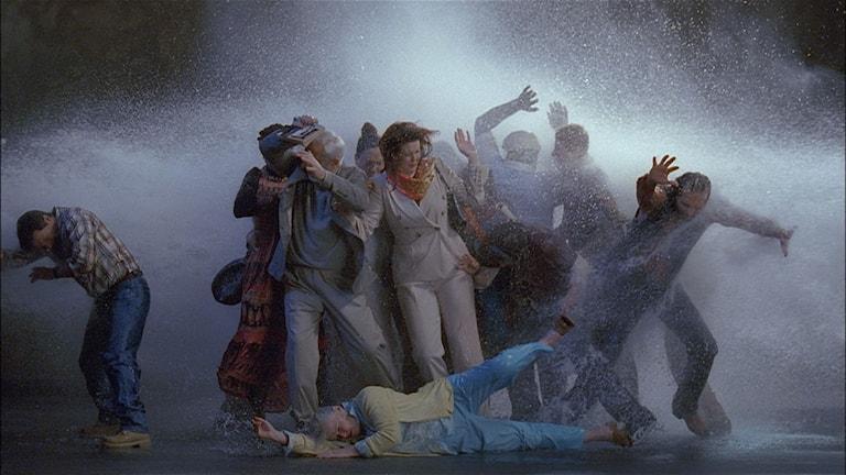 Stillbild ur verket Tempest av Bill Viola.